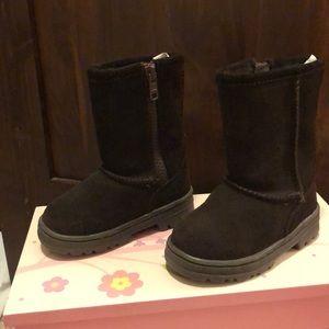 Circo (ugg like) boots